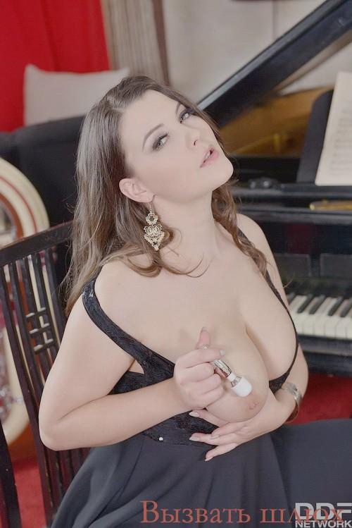 Анриетта реал фото секс в одежде